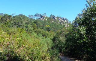 caminhada lagoas serra sintra lagoa azul rio da mula caminhando 1