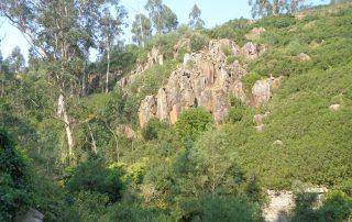 caminhada aldeia mata pequena cheleiros cascatas ancos caminhando-5
