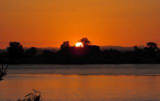passeio barco por do sol escaroupim valada-1