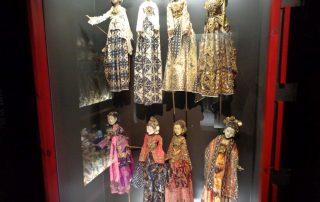 visita museu marioneta caminhando-10