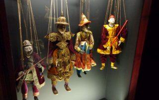 visita museu marioneta caminhando-17