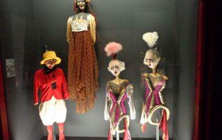visita museu marioneta caminhando-19