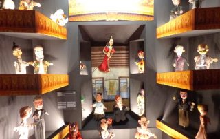 visita museu marioneta caminhando-23