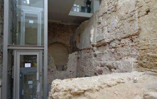 visita teatro romano museu de lisboa alfama caminhando-24