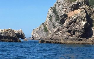 passeio barco cabo espichel grutas arrabibda sesimbra caminhando-5