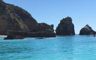 passeio barco cabo espichel grutas arrabibda sesimbra caminhando-7