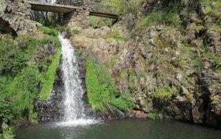 caminhada cascatas penedo furado vila de rei caminhando-16