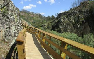 caminhada cascatas penedo furado vila de rei caminhando-39