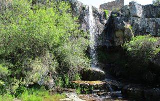 caminhada cascatas penedo furado vila de rei caminhando-4