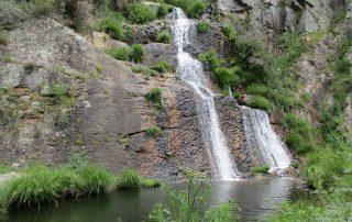 caminhada cascatas penedo furado vila de rei caminhando-40