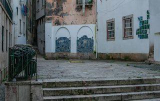 tour fotografico bairro do castelo lisboa caminhando